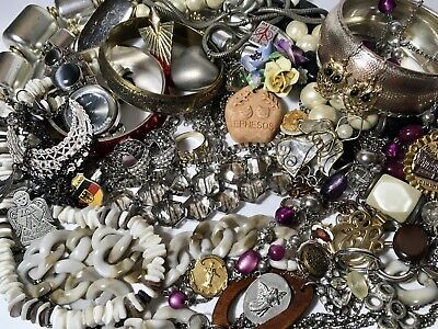 $ CDN30 • Buy 1.7 Lbs Vintage To Modern Wearable Jewelry Lot Few Extra Bits, Some Signed Items