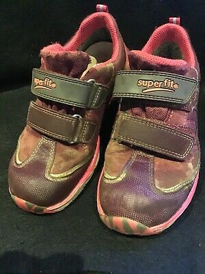 £5 • Buy Child's Quality Superfit Trainers Size 12.5