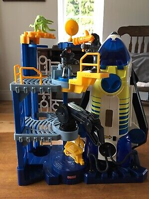 Imaginext Space Shuttle & Base With 2 Figures & Accessories-Lights & Sounds Work • 25£