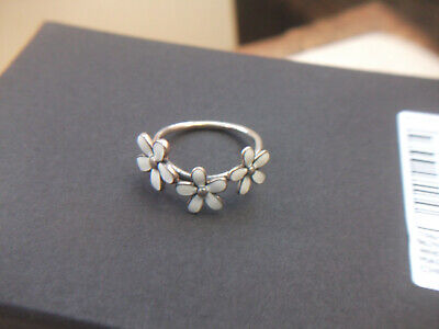 Silver 925 Ladies Ring With 3 Daisies Size R. • 7.99£