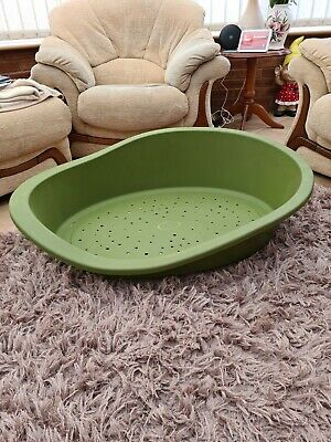 Dog Beds Plastic Xl • 10£
