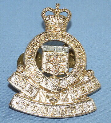 Post Ww2 Cap Badge New Zealand Royal Army Ordnance Corps  - Anodised - Qe2 Crown • 0.99£