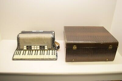 $399.95 • Buy  VINTAGE HOHNER IMPERIAL III M ACCORDIAN W/CASE - TESTED & WORKING
