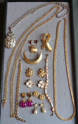 $ CDN18.79 • Buy 14 Pc Lot Signed TRIFARI Necklaces Bracelets Clip Earrings Brooches Chains ETC