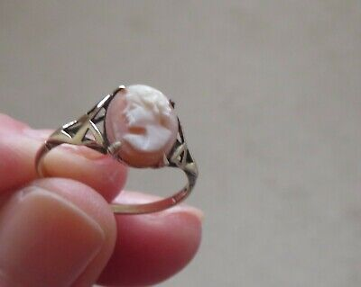 £49.99 • Buy 9 Carat Gold Ring - Cameo Shell - Size M1/2