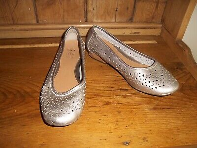 £19.99 • Buy Clarks Metallic Pewter Leather Flat Mary Jane Shoes Pumps Size 8E Wide Fit