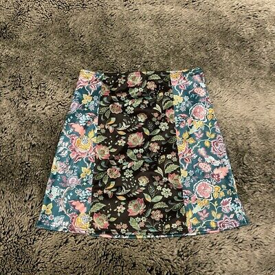 £17 • Buy Urban Outfitters Floral Satin Mini Skirt