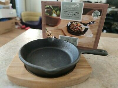 £11.99 • Buy Artesa Masterclass Oven To Table11cm Cast Iron Frying Pan With Board New In Box