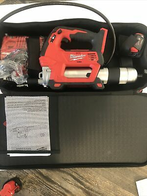 $267.99 • Buy Milwaukee 2646-21 M18 Cordless Grease Gun W/ Charger & (1) Battery - New!!