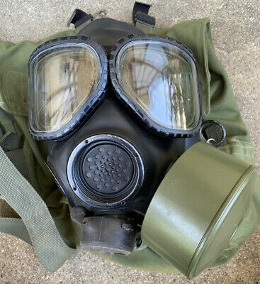 $159.99 • Buy US Military M40 Gas Mask Size Large W/ Bag