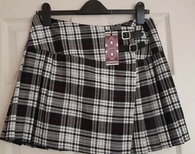 £5 • Buy Boohoo Black/White Tartan Checked Pleated Skirt Size 14 New With Tags