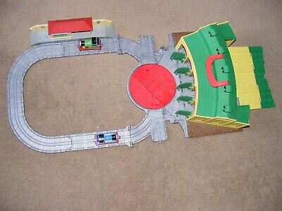 £4.99 • Buy Thomas The Tank Engine & Friends Folding Tidmouth Shed + 2 Trains & Station