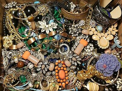 $ CDN28.01 • Buy HUGE 9lbs Vintage Mod Jewelry Lot Some Signed Most Wearable Rhinestone Necklace