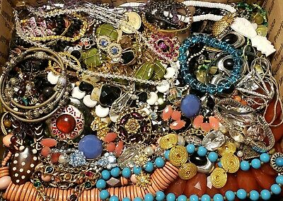 $ CDN25.52 • Buy HUGE 10lbs Vintage Mod Jewelry Lot Some Signed Most Wearable Rhinestone Necklace