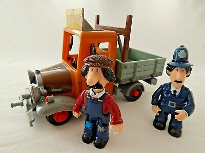 £4.99 • Buy Postman Pat - Ted Glen & Pc Selby Figures With Teds Friction Builders Truck