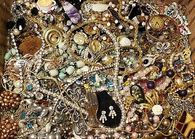 $ CDN168.06 • Buy HUGE 11lbs Vintage Mod Jewelry Lot Some Signed Most Wearable Necklace Rhinestone