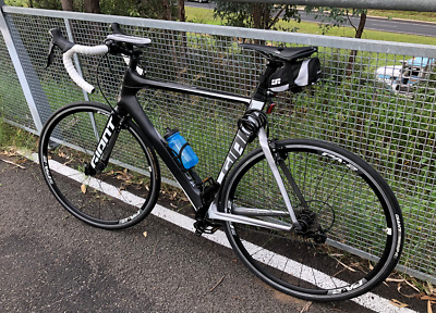 AU2050 • Buy Giant Propel Advance - Road Bike For Sale (Brand New Condition)