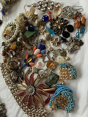 $ CDN17.29 • Buy Collection Job Lot Of Vintage 1950s/60s/70s  Costume Jewellery  Spares/repair