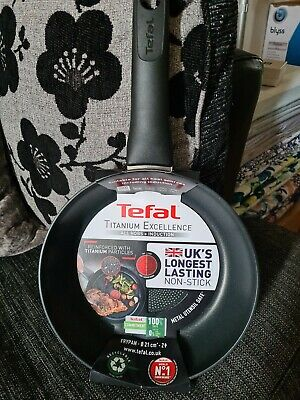 £15 • Buy Tefal Titanium Excellence 21cm Induction & All Hobs  Frying Pan Brand New