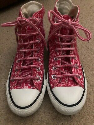 £6 • Buy Converse Size 3 Pink Hearts 100% Genuine Only Worn Once..reduced!!
