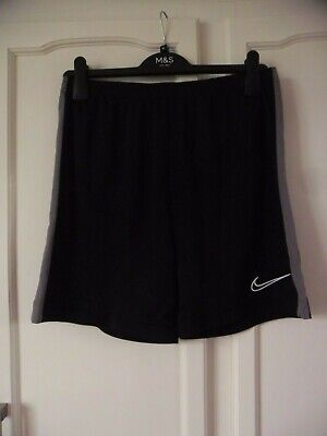 £2.70 • Buy Nike  Dri Fit Shorts Meduim Black With Grey Side Stripe In Good Condition
