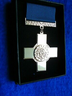 £18 • Buy Gc, The George Cross Full Size Medal & Ribbon + Presentation Box, Reproduction