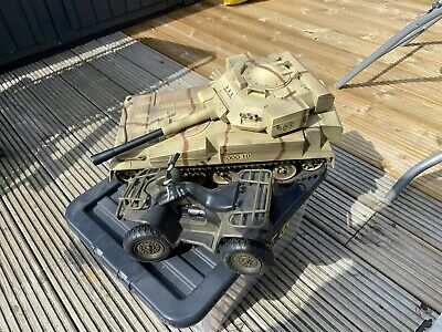 £5 • Buy 2 Hm Armed Forces Vehicles (collection Only)