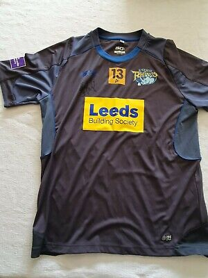 £50 • Buy Leeds Rhinos Shirt  Kevin Sinfield Personal Training Top  Signed   Size  L