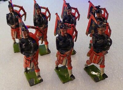 £35 • Buy C. 1950's BRITAINS TOY SOLDIERS - 7 X SCOTTISH BAG PIPERS - RED KILT, BLUE SHIRT