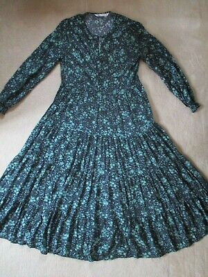 £20 • Buy ZARA Size M THE ANGEL MIDI DRESS BLACK GREEN FLORAL TIERED BUTTONS BLOGGERS FAVE