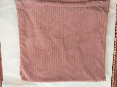 £12 • Buy 2 George Home Cushion Covers Colour Pink Good Condition Size 20×19Lin