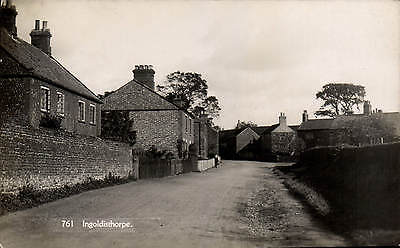 Ingoldisthorpe Near Snettisham # 761 By H.Coates. • 19£