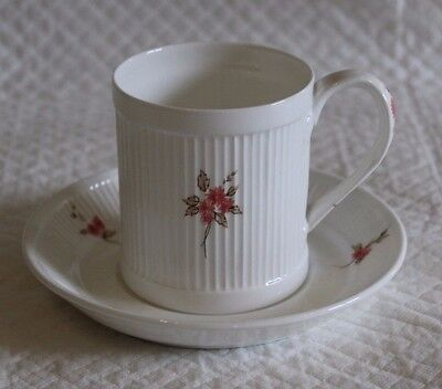 Crown Staffordshire Dianne Pattern Cup & Saucer • 7£