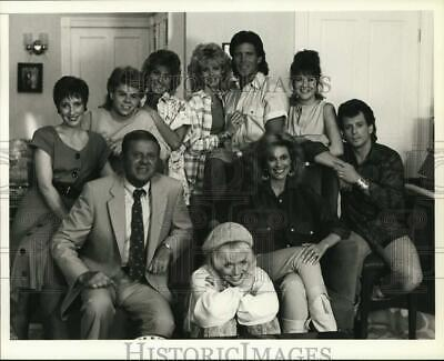 $ CDN16.94 • Buy 1987 Press Photo Actors Mary Frann And Co-Stars In  Eight Is Enough