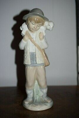Lladro Nao Figurine Boy With Lamb • 35£