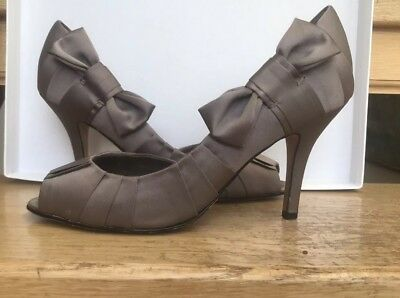 COAST Taupe Satin Peep Toe.  Mid Heel Smart Shoes Pleated With Bow.  Size 7 • 14£