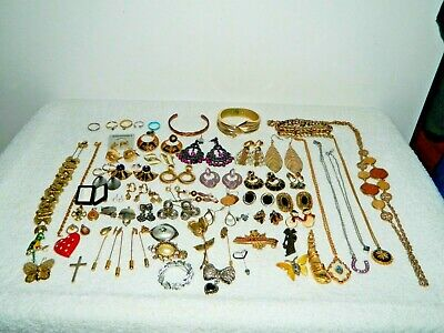 $ CDN19.56 • Buy Lot Of Vintage To Now Costume Jewelry Necklaces Bracelets Earrings Brooch Pin 14