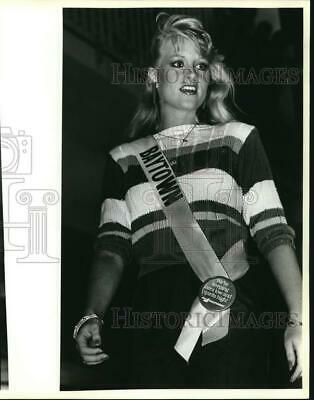 $12.88 • Buy 1984 Press Photo Tina Roesler Of Baytown, Miss Texas USA Pageant Contestant