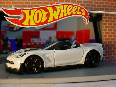 $3.69 • Buy 2020 Hot Wheels CORVETTE C7 Z06 CONVERTIBLE ❀White❀Multi Gift Exclusive?❀LOOSE