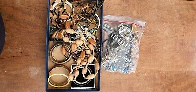 Joblot Mixed Costume Jewellery.☆ Wearable Items.☆ Various Styles And Colours. ☆ • 2.99£
