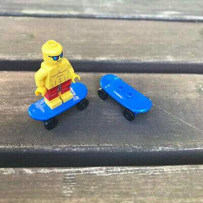 LEGO - SKATEBOARD - BLUE - ( 2 OFF ) - Skate - Park - City - Friends  • 2.99£