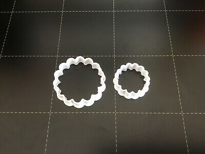 Set Of 2 Polymer Clay Cutters - Jewellery Making Scallop • 3.50£