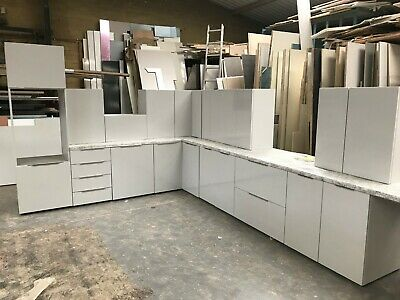 Kitchen Units Complete - Light Grey Gloss Doors & Lt Grey Units, Blum Soft Close • 59£