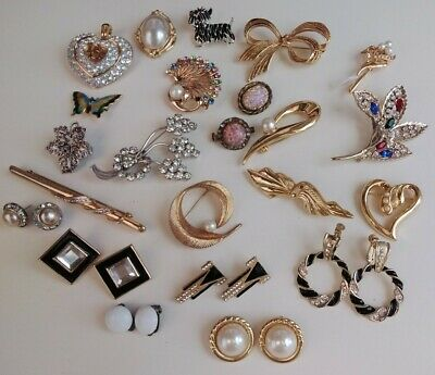 Job Lot Of Costume Jewellery  Brooches Earrings  Etc. • 4.99£