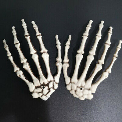 1 Pair Of Plastic Skeleton Hands Haunted House Props Halloween Party Decoration • 3.39£