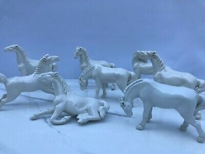 GROUP Of 8 Vintage Decorative White Porcelain Horses - Lovely Collection  • 40£
