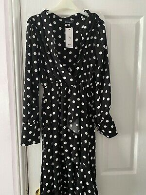 BRAND NEW With Tags. Polka Dot, Long Sleeved, Longer On 1 Side. Size 16 • 15£
