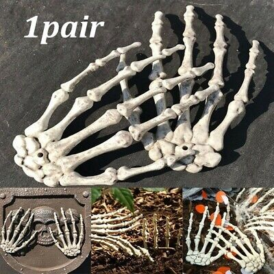 1 Pair Of Plastic Skeleton Hands Haunted House Props Halloween Party Decoration • 4.85£