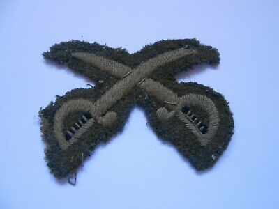 Physical Training Instructor Crossed Swords   Cloth Arm Patch   • 14£