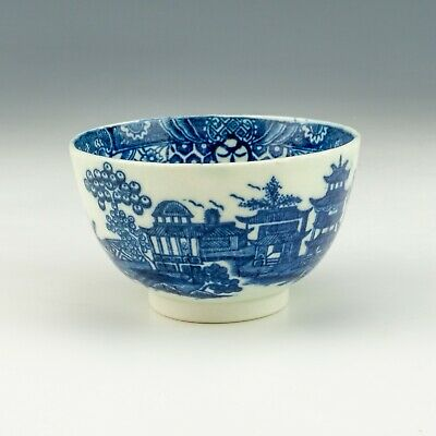 Antique Early English Porcelain - Chinese Inspired Blue & White Tea Bowl • 9.99£
